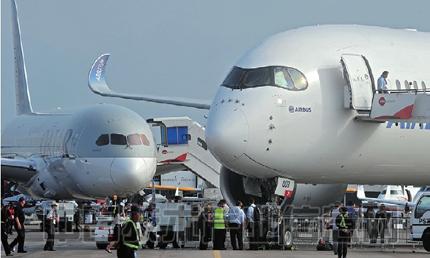 碳纤维材料正在向飞机和汽车普及