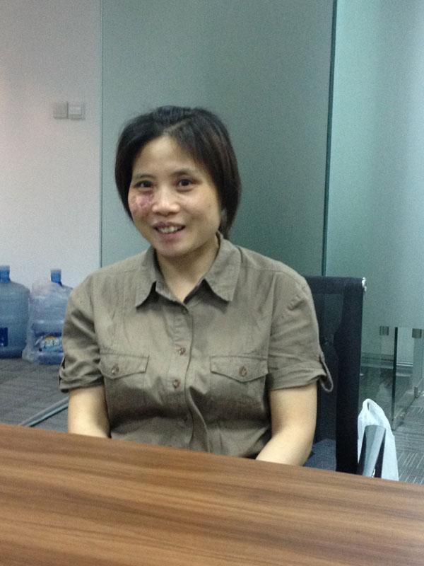 农村来到上海,一直做保洁工作.13年来,她没换过岗位,物业公司