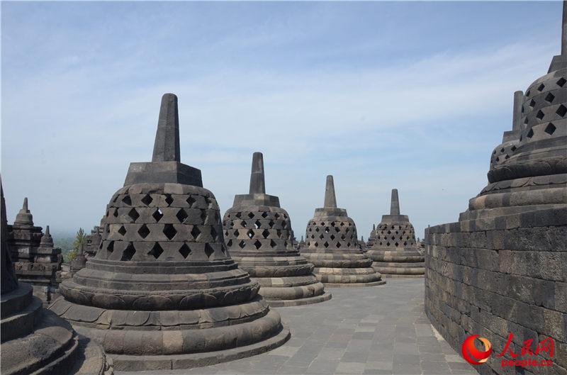 婆罗浮屠是一座佛教佛塔遗迹