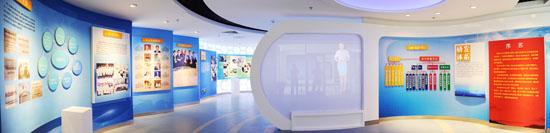 色彩明亮的展厅设计