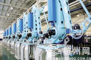 娃哈哈研发的机器人定位精度能达0.1毫米