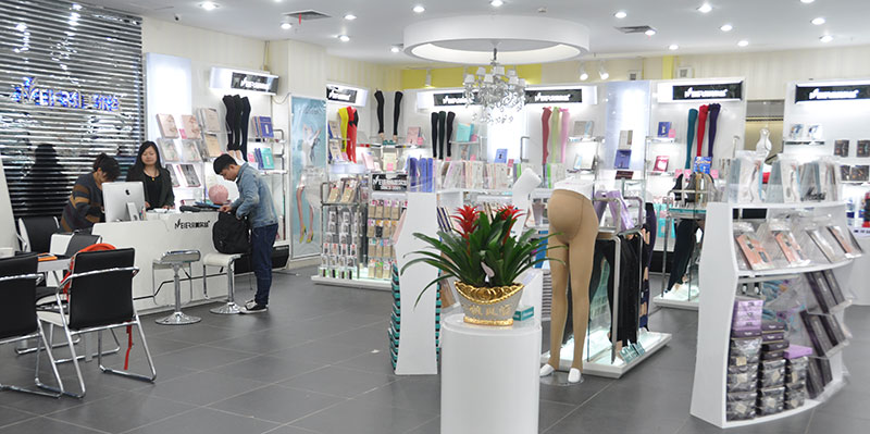 高清组图:衣服探访中国情趣的晴雨表--义乌让外贸实地穿如何妻子图片