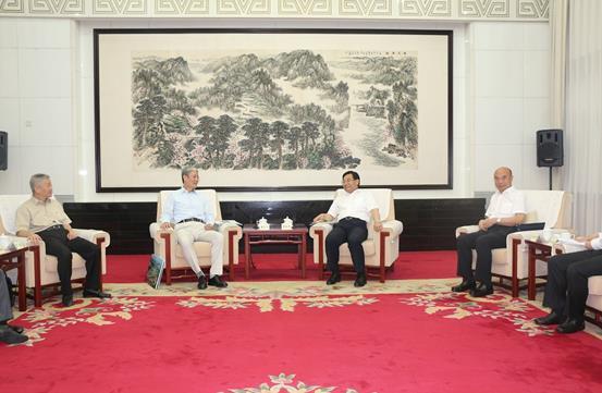 傅育宁董事长、中国人寿鸿寿年金罗熹总经理拜访陕西省领导