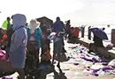 茶卡盐湖遭垃圾困扰