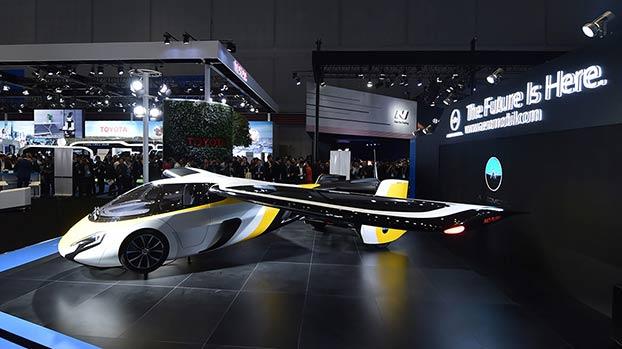 进博会汽车展:能飞的汽车受关注