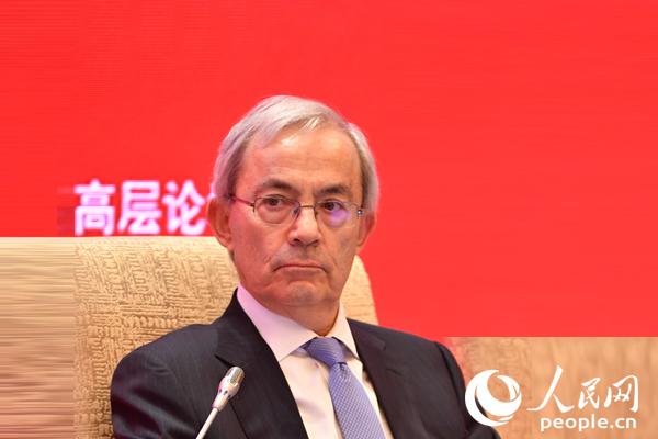 伦敦政治经济学院教授、2010年诺贝尔经济学奖获得者克里斯托弗·皮萨里德斯(
