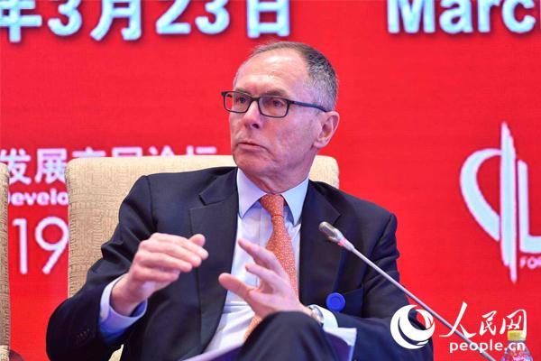 美国哥伦比亚大学教授扬·什韦纳尔(图)
