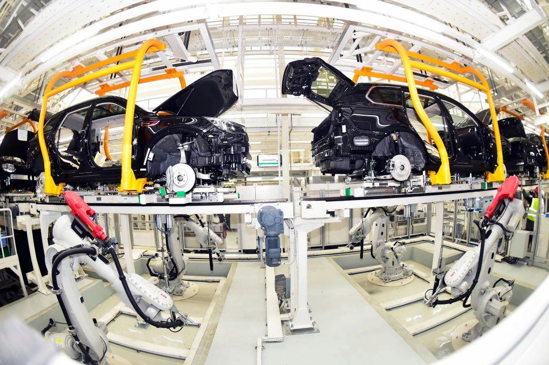 智能化绿色化服务化 新模式撬动中国制造业发展新机遇