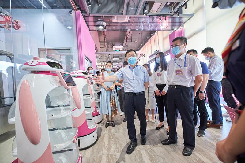 與主業多元協同增效 碧桂園旗下機器人餐廳綜合體迎新開業