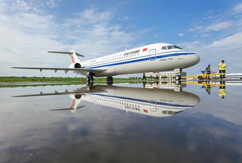 国航首架ARJ21正式交付进一步完善航线网络布局