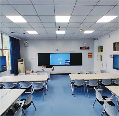 武汉大学搭建智慧教室启用研讨教学新方案
