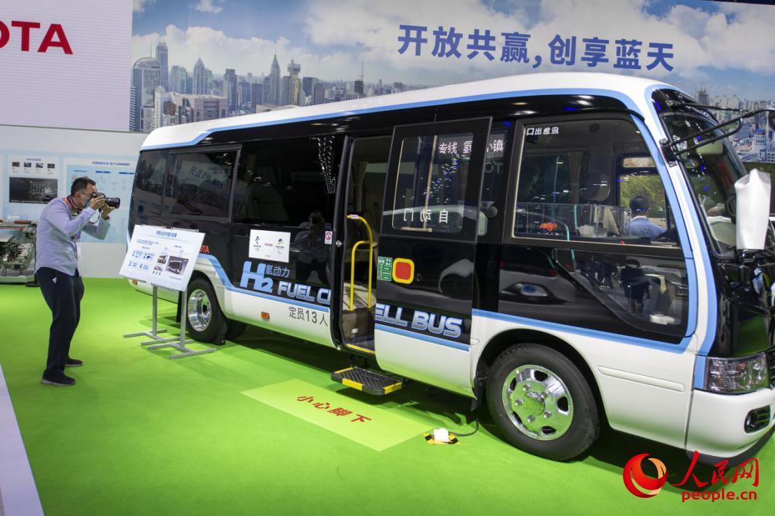 全球最环保的商用车之一——丰田氢燃料电池版柯斯达