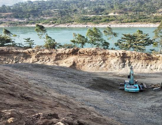 自然資源部公開通報14起長江、黃河沿線違法采礦案件