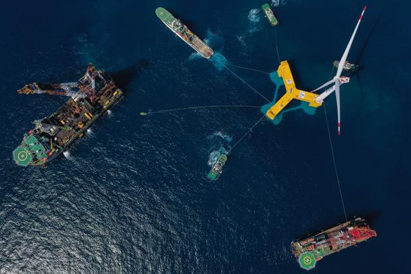 """厉害了!全球首台抗台风型漂浮式海上风电机组""""落户""""广东阳江"""