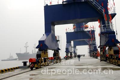 大连长兴岛港正式通航