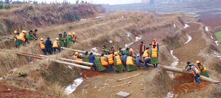 中铁电气化局参加南方冰灾新闻抢险全面告捷铁路如皋视频图片