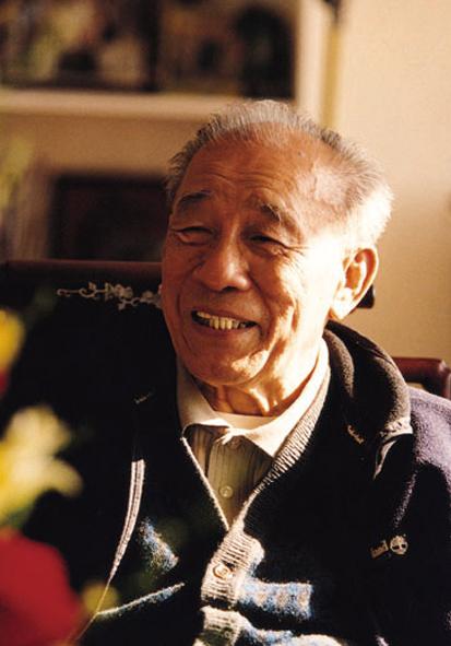 袁庚 曾任深圳蛇口开发区管委会书记、招商局