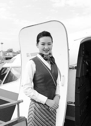 """这是中国民航第一次通过民间海选方式招募的空姐,民选空姐赛制与""""超级"""