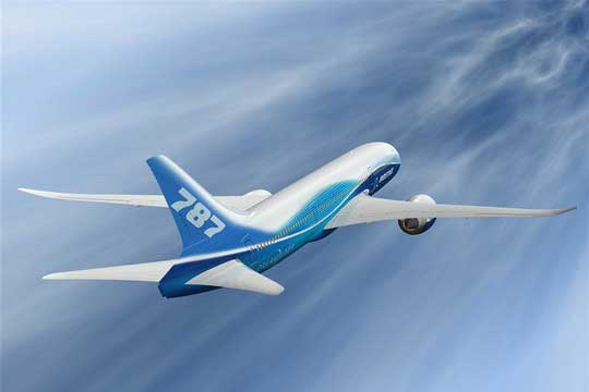 拖延的部分原因是飞机机身侧面的一个部分需要加强