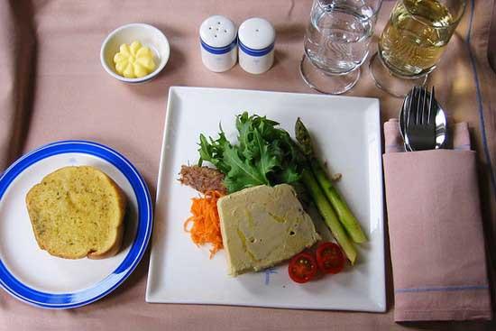 世界各大航空公司飞机餐大比拼(组图)