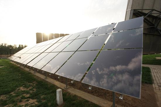 硅基薄膜太阳能电池板阵列